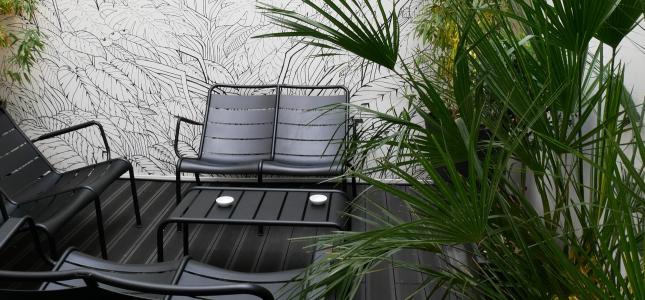 A terrace in Paris