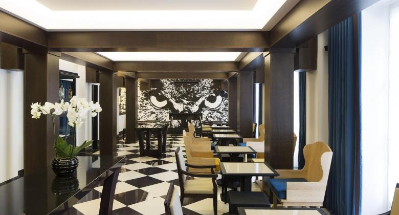 Relax by the Chess Hotel Paris: The beauty of autumn