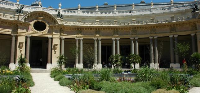 Le Petit Palais : un joyau à cinq minutes de votre hôtel