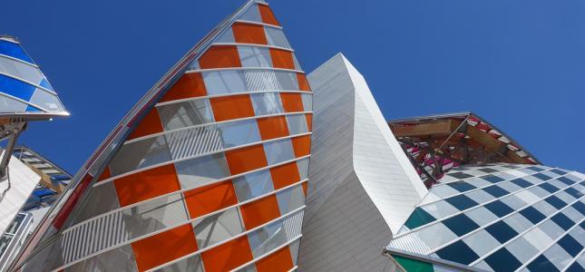 Fondation Louis Vuitton, des vêtements à l'art moderne