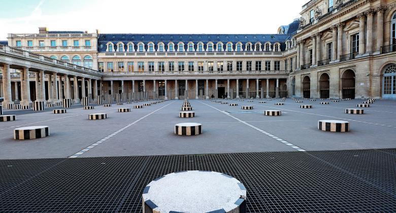 A look at the Colonnes de Buren