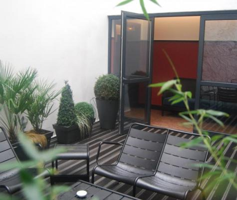 The Chess Hotel Paris - Gallery - - Outside patio